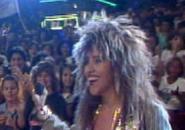 Tina Pepper no palco do Chacrinha